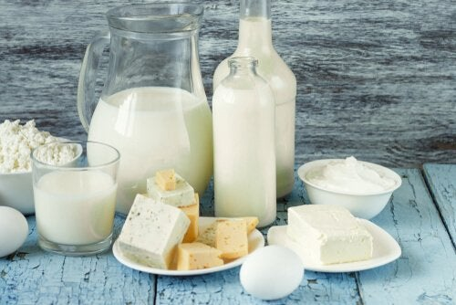 Молочные продукты, в которых мало лактозы, помогают избавиться от лишних килограммов