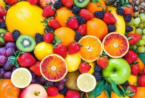 Диетический суп и фрукты чтобы похудеть