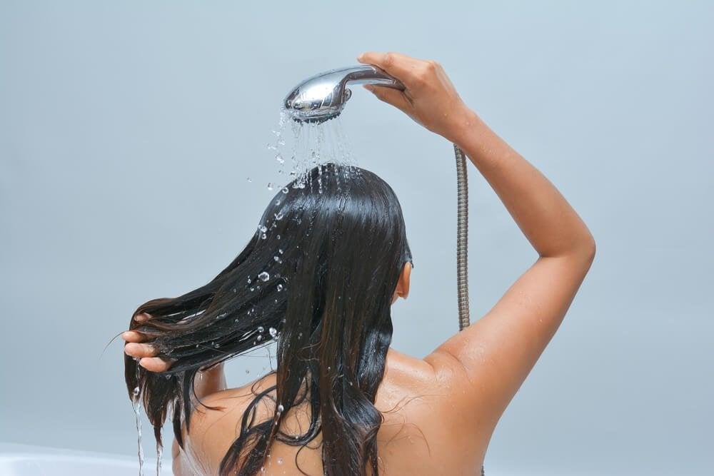 Влажные волосы и грибок кожи головы