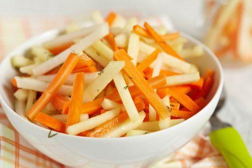 5 рецептов детокс-салатов, чтобы очистить кишечник