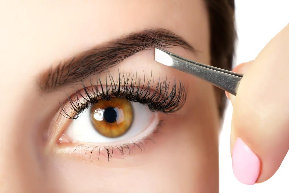 5 способов сделать брови более густыми при помощи натуральных средств!