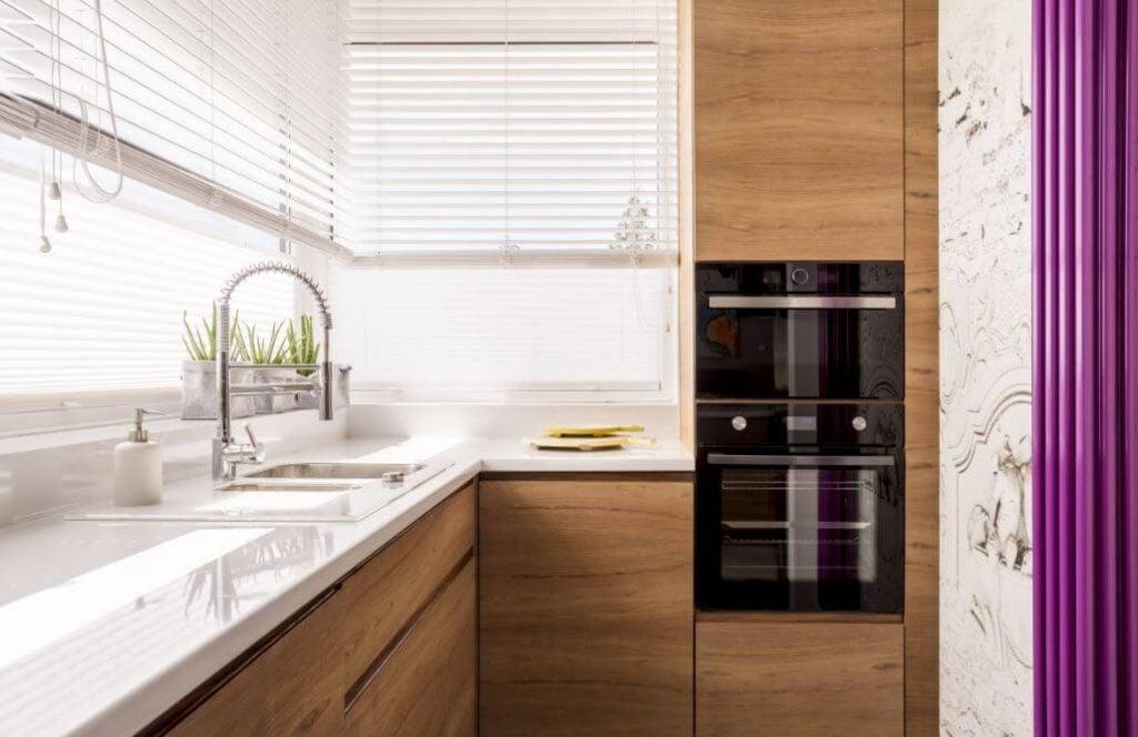 Маленькая кухня: 6 чудесных способов сделать ее уютной и удобной