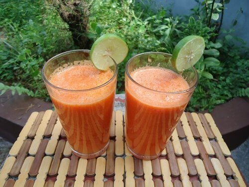 Смузи из имбиря, апельсина и моркови