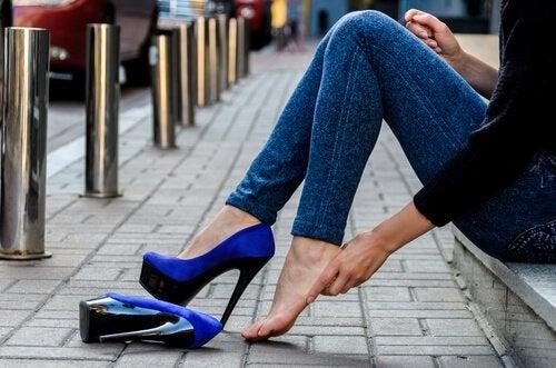 Как ходить на каблуках без боли: 7 советов