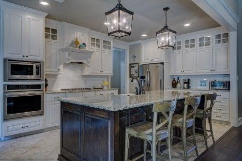 Отчистить от жира кухонную мебель — просто! 5 эко-продуктов.