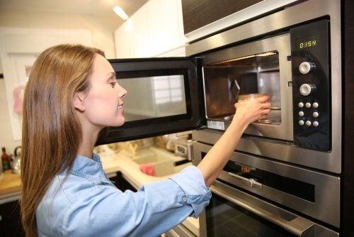 Как экономить электричество на кухне