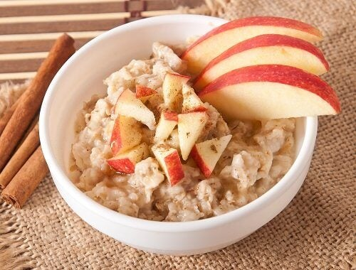Овсяная каша: 10 рецептов для здорового завтрака
