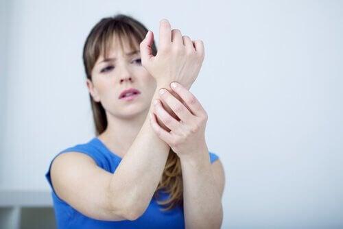 Дискомфорт при синдроме запястного канала