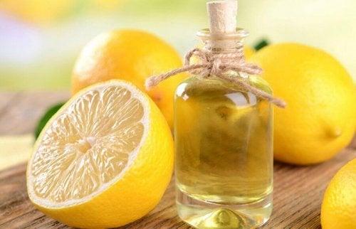 2 способа приготовить эфирное масло лимона