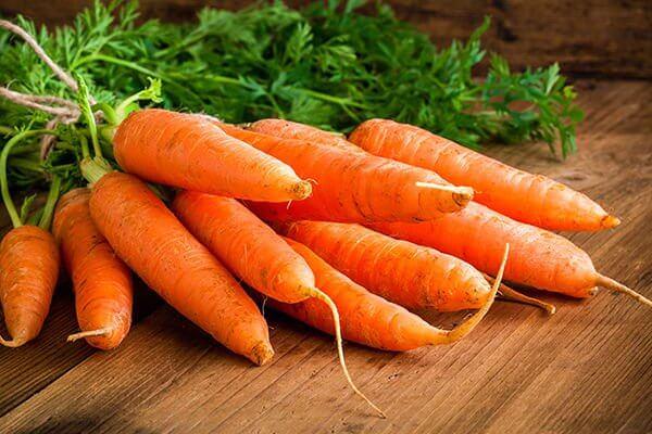 Морковь и морковный пирог