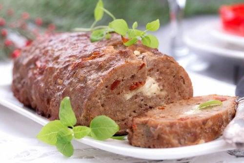 Мясной рулет: вкусный и полезный рецепт для всей семьи