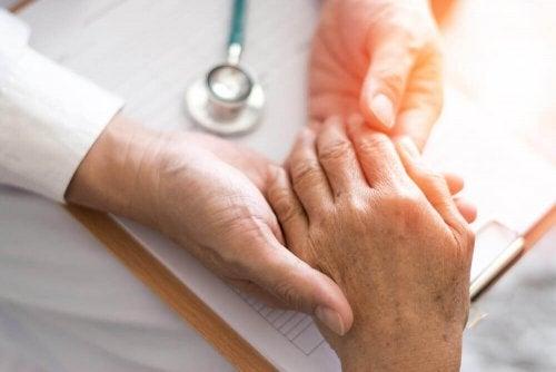 Как снять боль при ревматоидном артрите