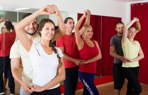 6 причин, почему занятия танцами улучшат вашу жизнь