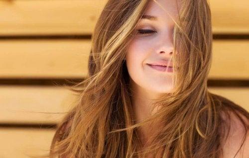 Как помочь своим волосам стать здоровыми и густыми?