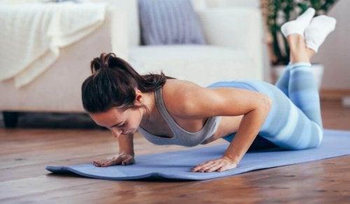 Делать планку чтобы похудеть без диеты