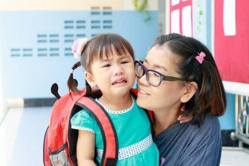 Ребенок идет в детский сад: 7 ошибок, которые допускают родители