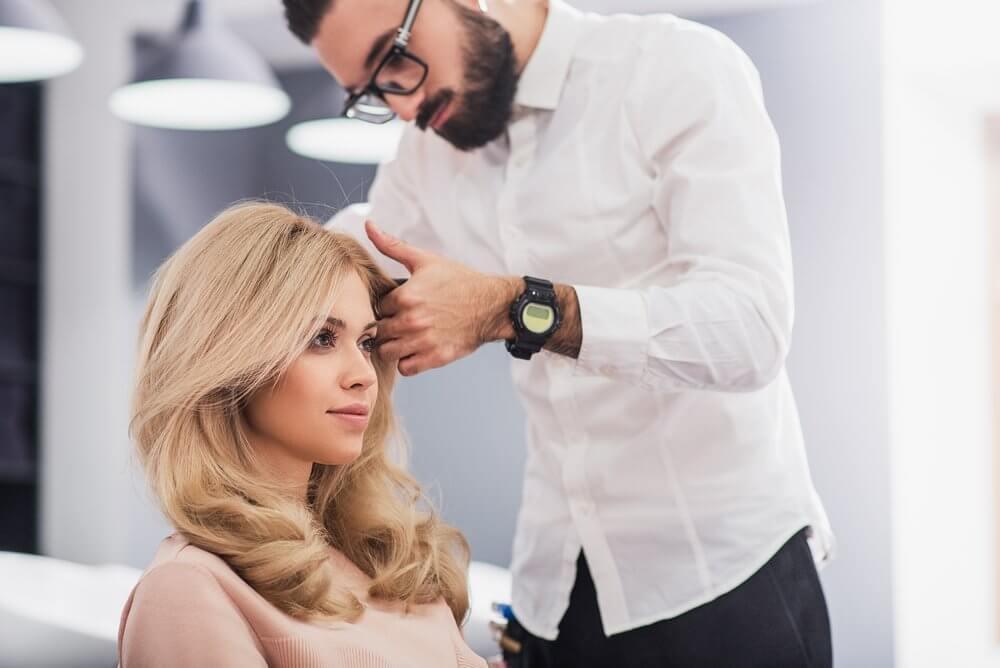 Ходить в парикмахерскую
