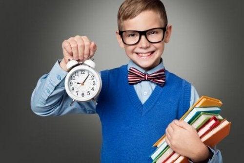 Как научить детей правильно распоряжаться временем?