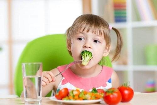 6 рецептов, которые помогут вашему ребенку начать есть овощи