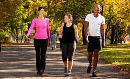 Откройте для себя преимущества ежедневной прогулки: их не менее 6!