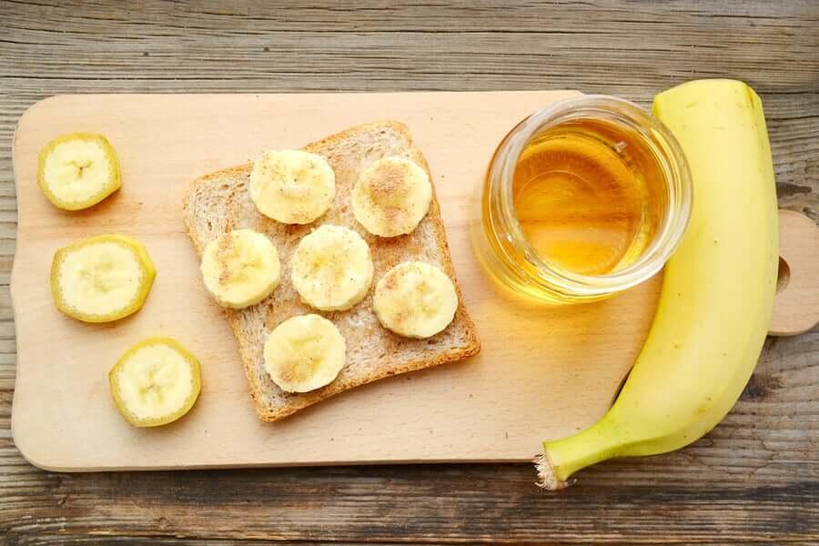 Банан корица и мед