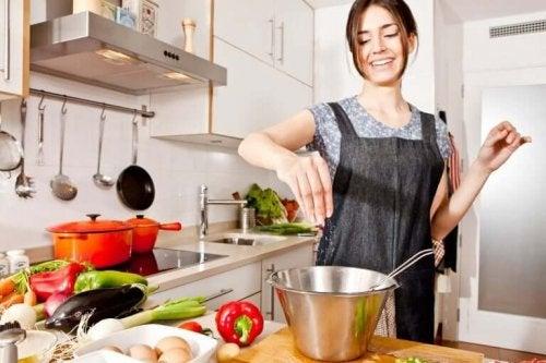 Еда без соли поможет очистить организм от токсинов