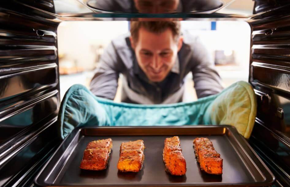 Приготовить лосось в духовке