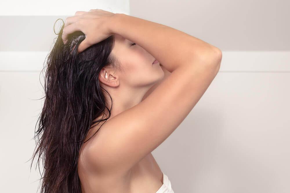 Защитить волосы от солнца