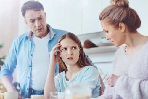 Как узнать, что ваш ребенок-подросток говорит неправду?