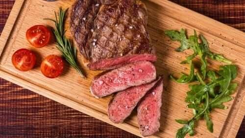 Красное мясо сделает волосы красивыми
