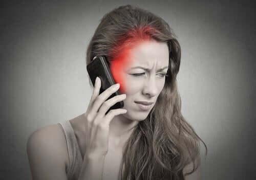 Частое использование мобильного телефона ведет к прокрастинации