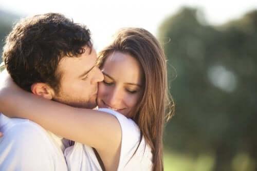 4 признака, что вы действительно его любите. Проверьте себя!