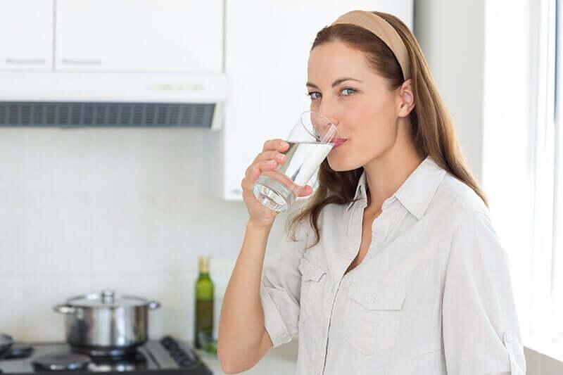 Вода поможет сделать кожу упругой