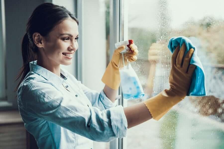 Как использовать стеклоочиститель