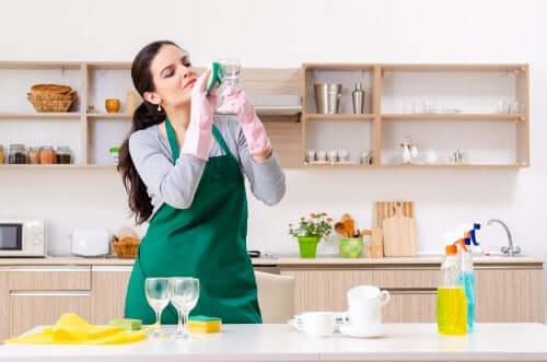 Стеклоочиститель и 5 необычных способов его использования!