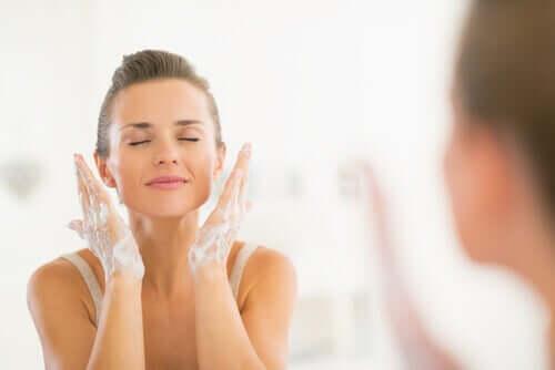 Умывание и молодость кожи