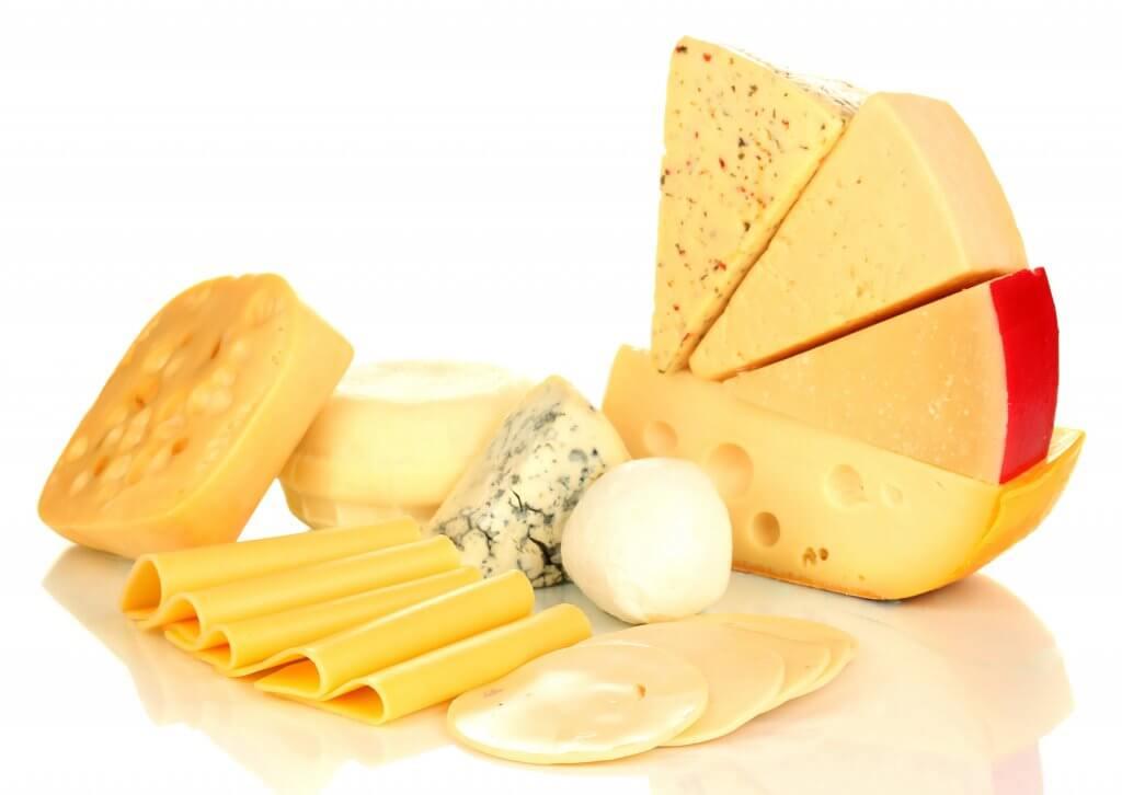 Как правильно резать сыр в зависимости от сорта: полезные советы