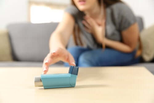 Острый приступ астмы: симптомы и лечение