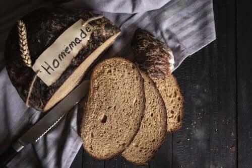 Домашний хлеб из ржаной муки: подробный рецепт
