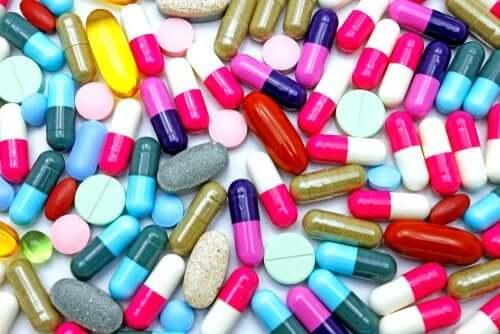 Ацеклофенак: что это за препарат и какие у него побочные эффекты