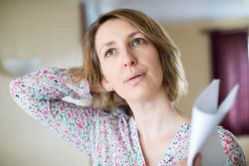 Приливы во время менопаузы: что делать?