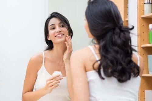 Как правильно увлажнять кожу: 5 полезных советов