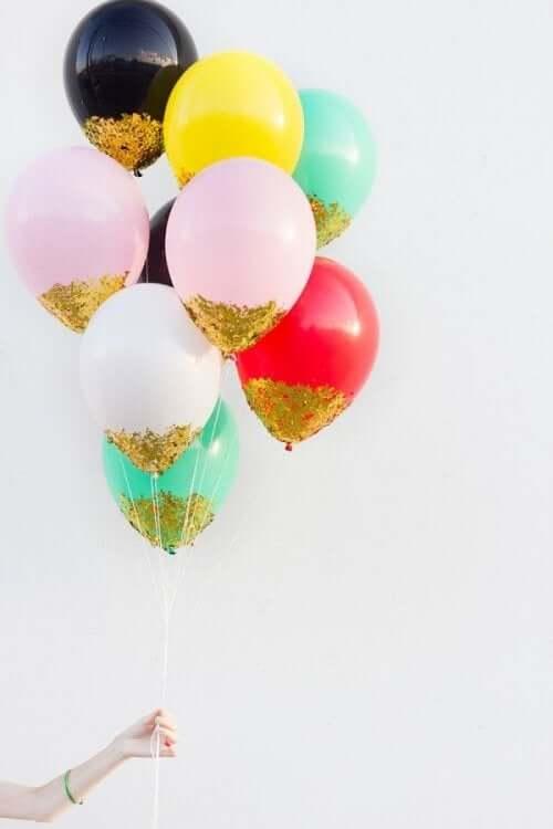 воздушные шары в руке