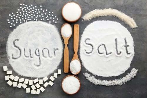 Чрезмерное потребление соли или сахара, что хуже?