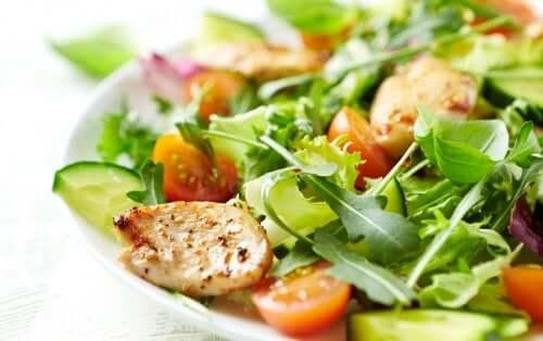 Овощной салат: 4 рецепта, которые обязательно стоит попробовать!