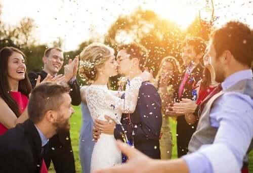 Друг жениха и подружка невесты: их роль на свадьбе