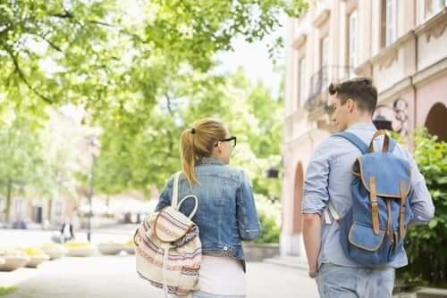 Школьные рюкзаки и боль в спине: есть ли связь?