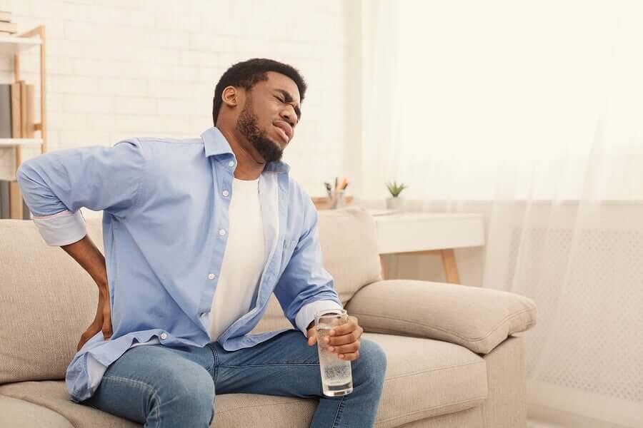 Почему могут болеть почки у мужчин