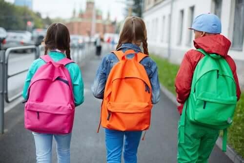 Школьные рюкзаки у детей