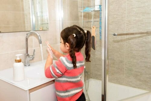 Коронавирус у детей: представляет ли он опасность?